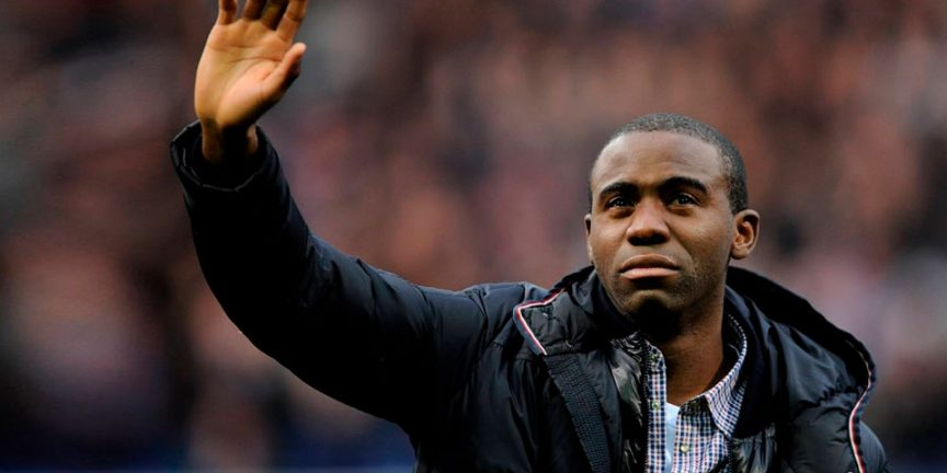 Fabrice Muamba waving goodbye to fans